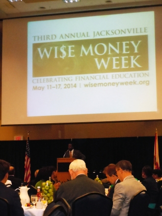 Mayor Alvin Brown giving his remarks during the Wi$e Money Kickoff Breakfast.